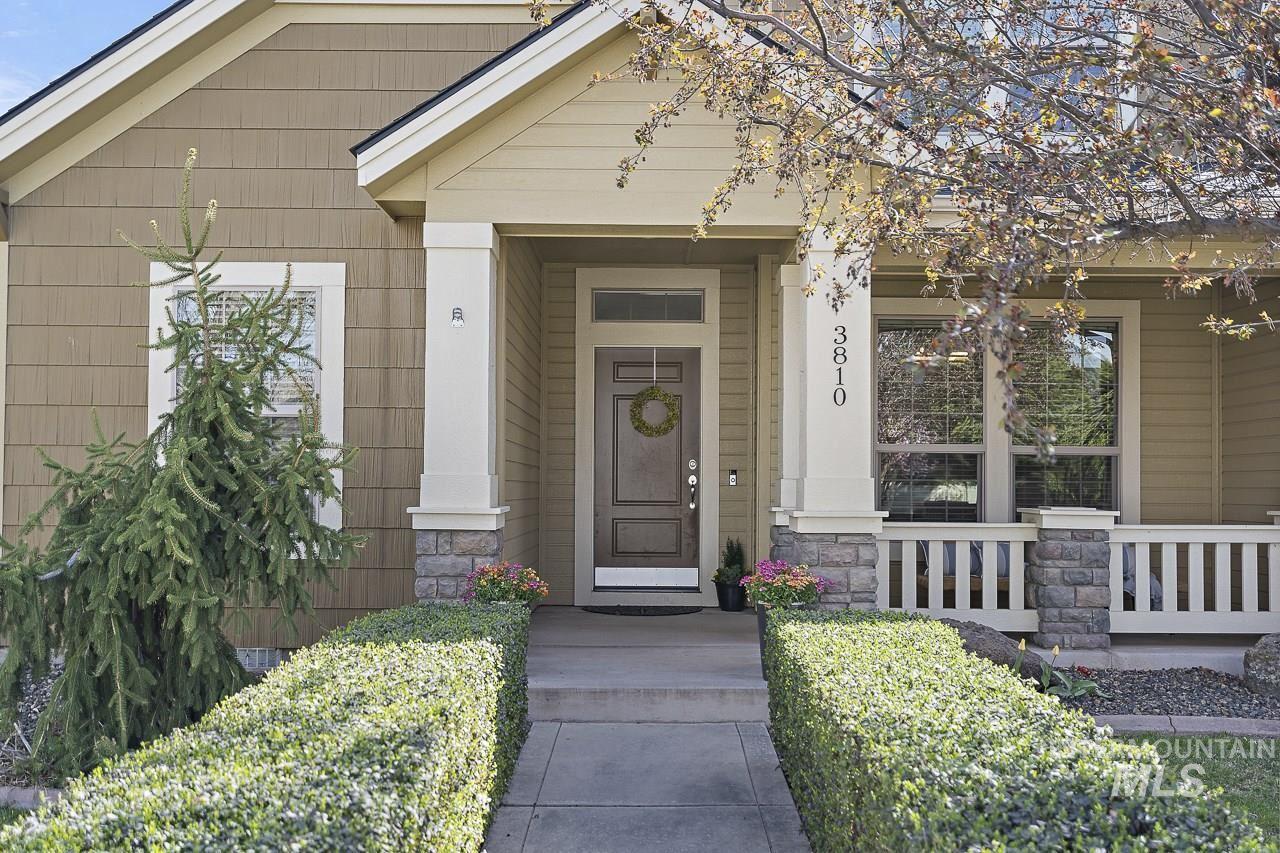 Photo of 3810 N Legacy Woods Avenue, Meridian, ID 83646 (MLS # 98798849)