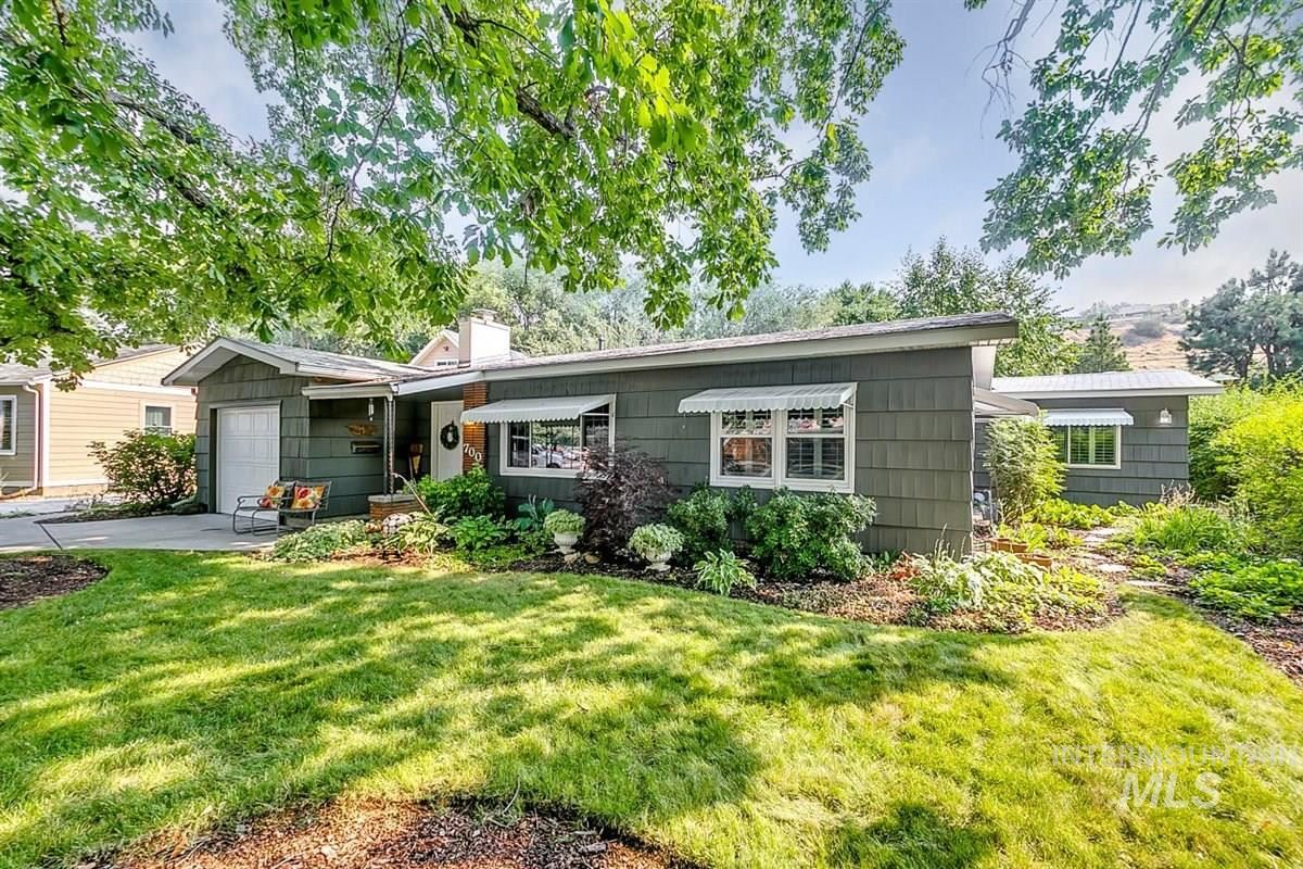 Photo of 700 N Hillview, Boise, ID 83712-8121 (MLS # 98798850)