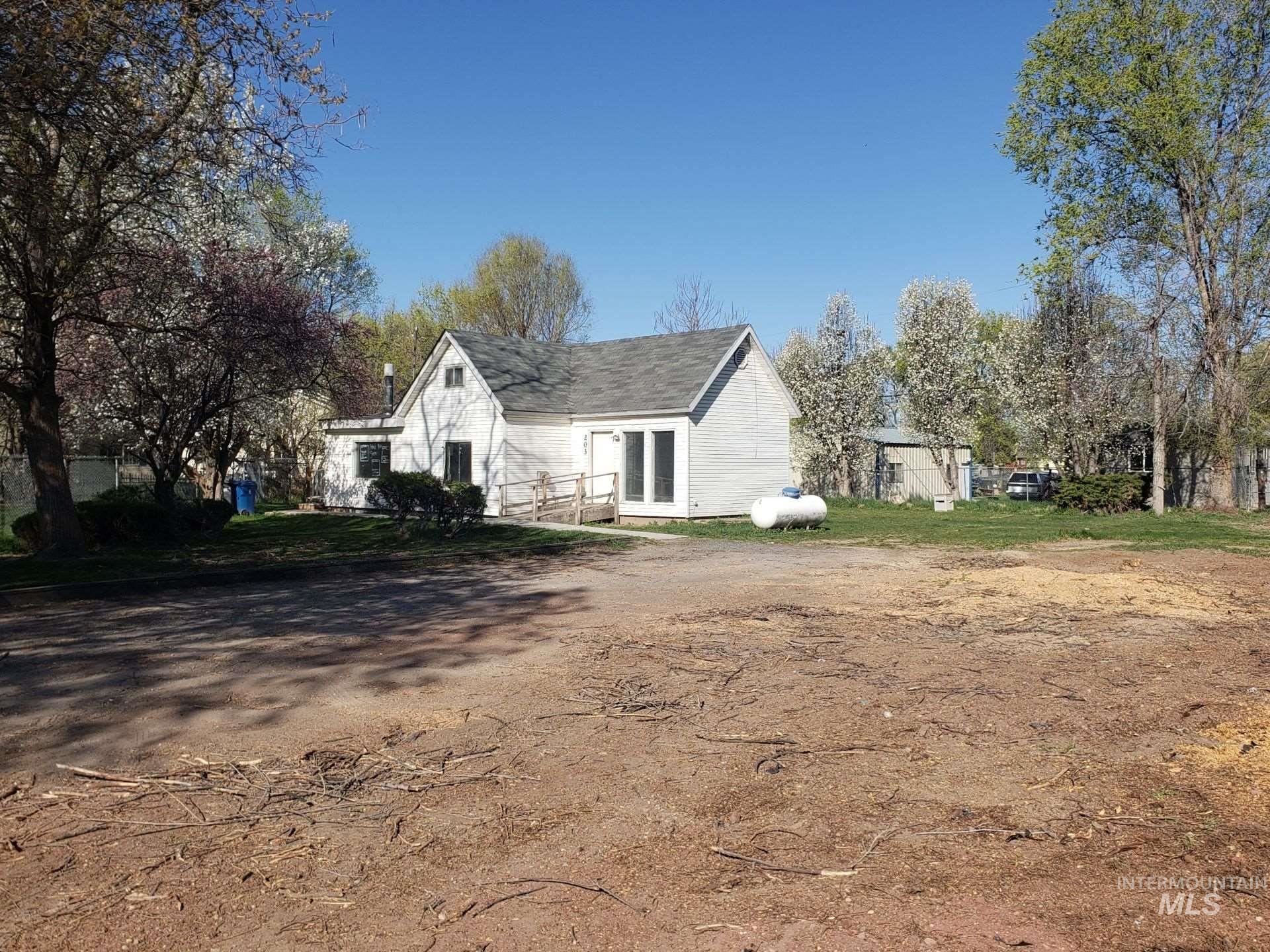 Photo of 203 20th Ave N, Nampa, ID 83687 (MLS # 98798851)