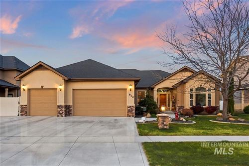 Photo of 810 S Whitewater Dr., Nampa, ID 83686 (MLS # 98799854)