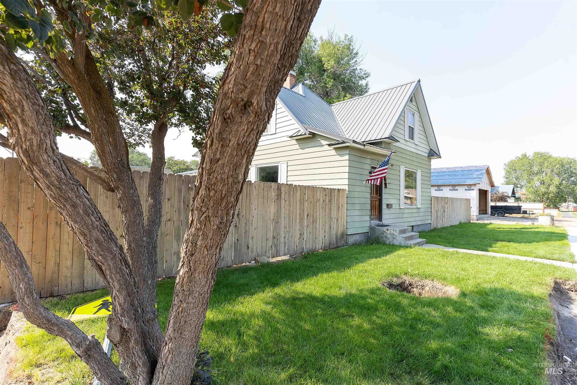 Photo of 591 W Main St S, Vale, OR 97918 (MLS # 98818854)