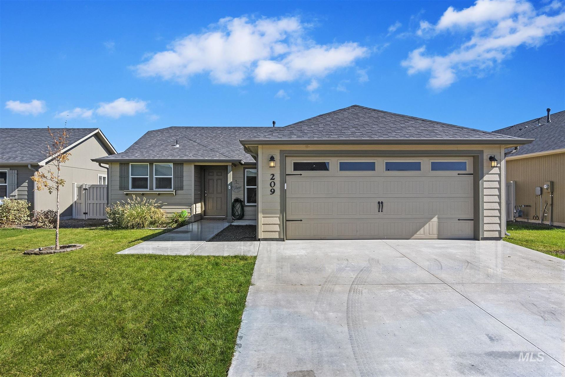 Photo of 209 S Voyage Ave, Caldwell, ID 83605 (MLS # 98806857)