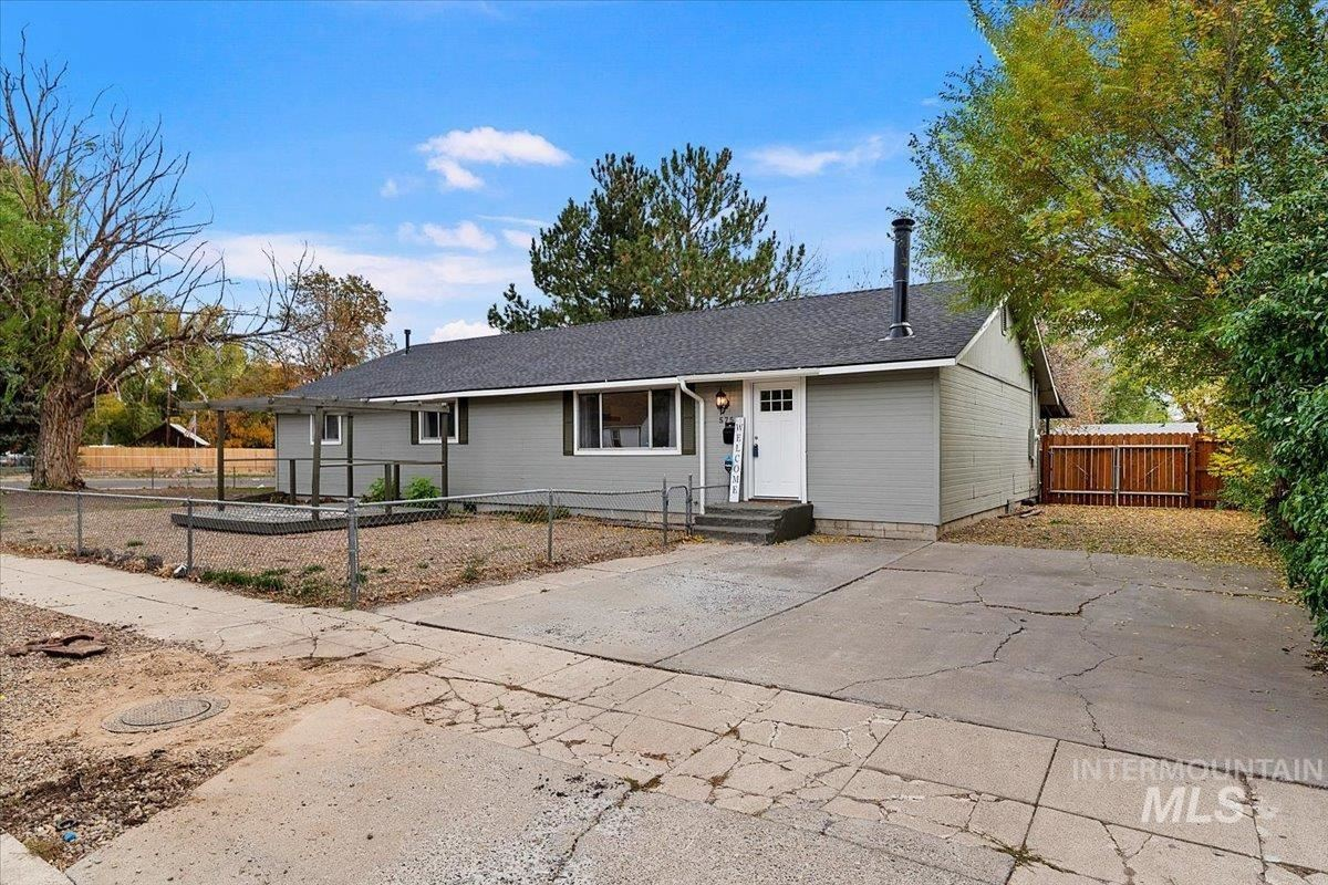 575 E 2nd S St., Mountain Home, ID 83647-3047 - MLS#: 98819859