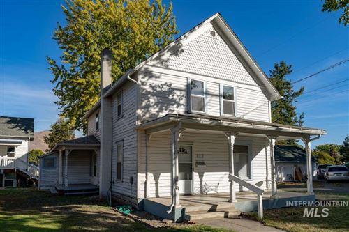 Photo of 800 Sycamore Street, Clarkston, WA 99403 (MLS # 98822860)