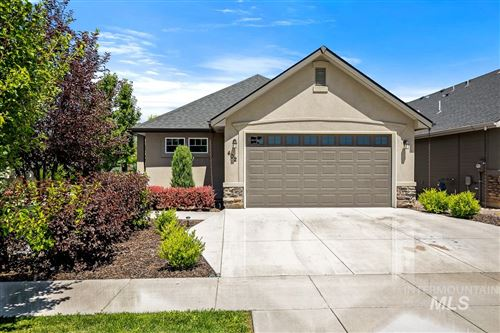 Photo of 402 W Cagney, Meridian, ID 83646-6506 (MLS # 98772863)