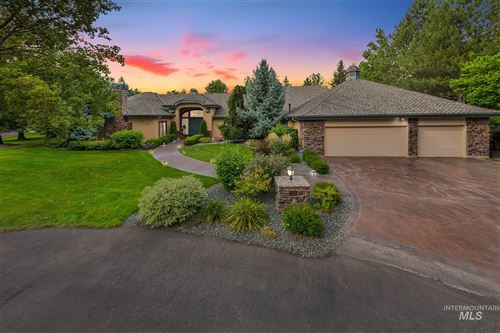 Photo of 9410 N WINTERWOOD LN, Garden City, ID 83714 (MLS # 98780866)