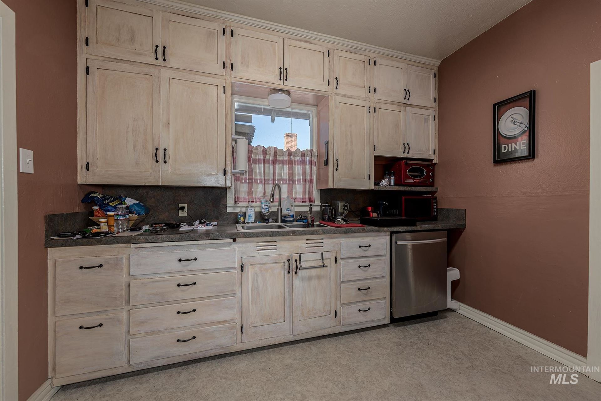 Photo of 305 Smith St  S, Vale, OR 97918 (MLS # 98818869)