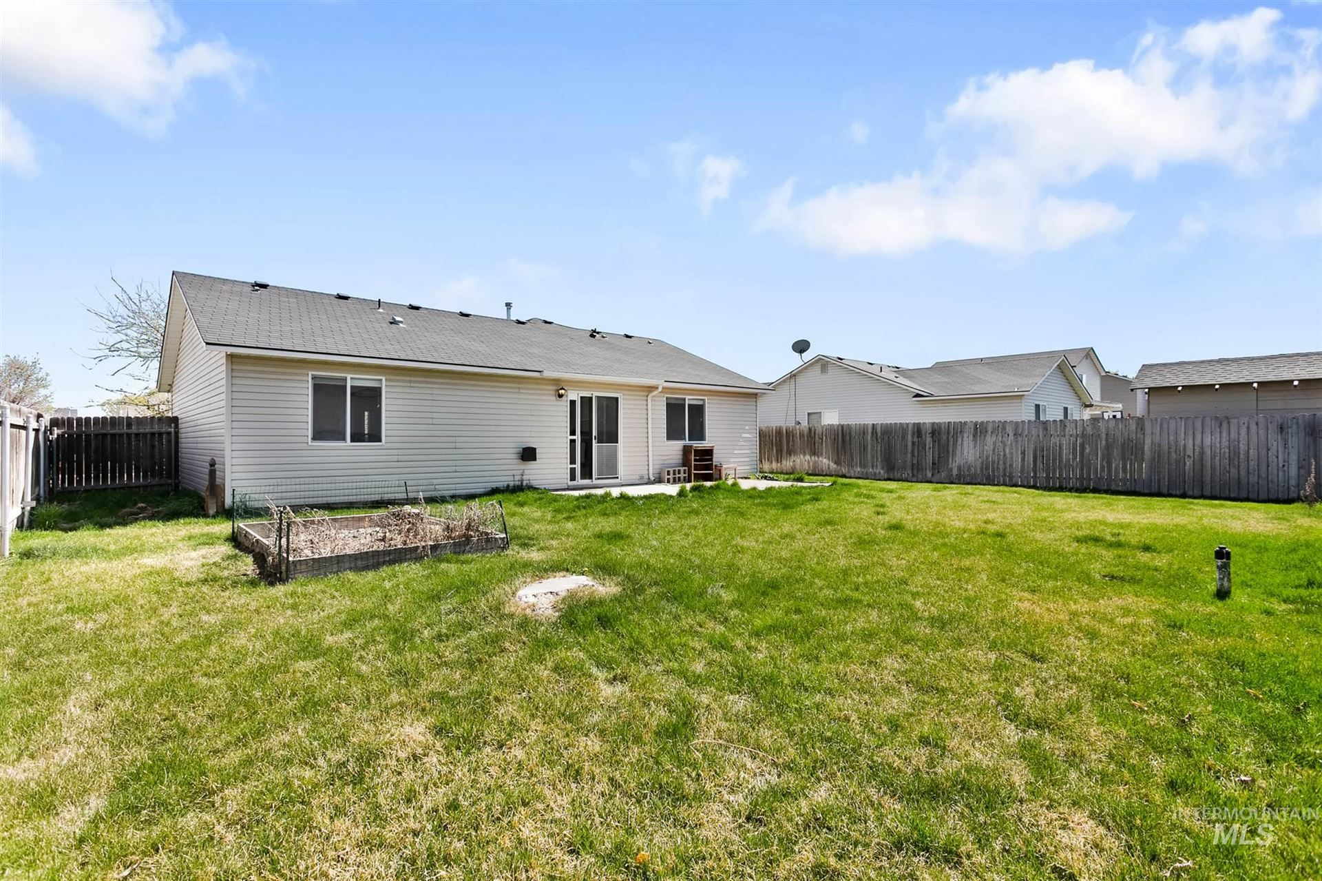 Photo of 19825 Amherst Ave, Caldwell, ID 83605 (MLS # 98798870)