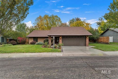 Photo of 242 Northview Dr., Eagle, ID 83616-5022 (MLS # 98822877)