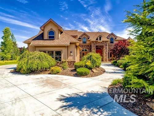 Photo of 723 W Headwaters Dr, Eagle, ID 83616 (MLS # 98775884)