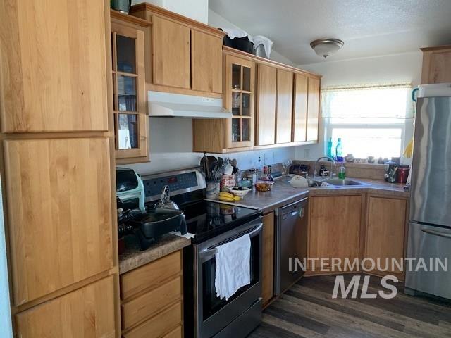 Photo of 290 Ellsworth St, Vale, OR 97918-9601 (MLS # 98794889)