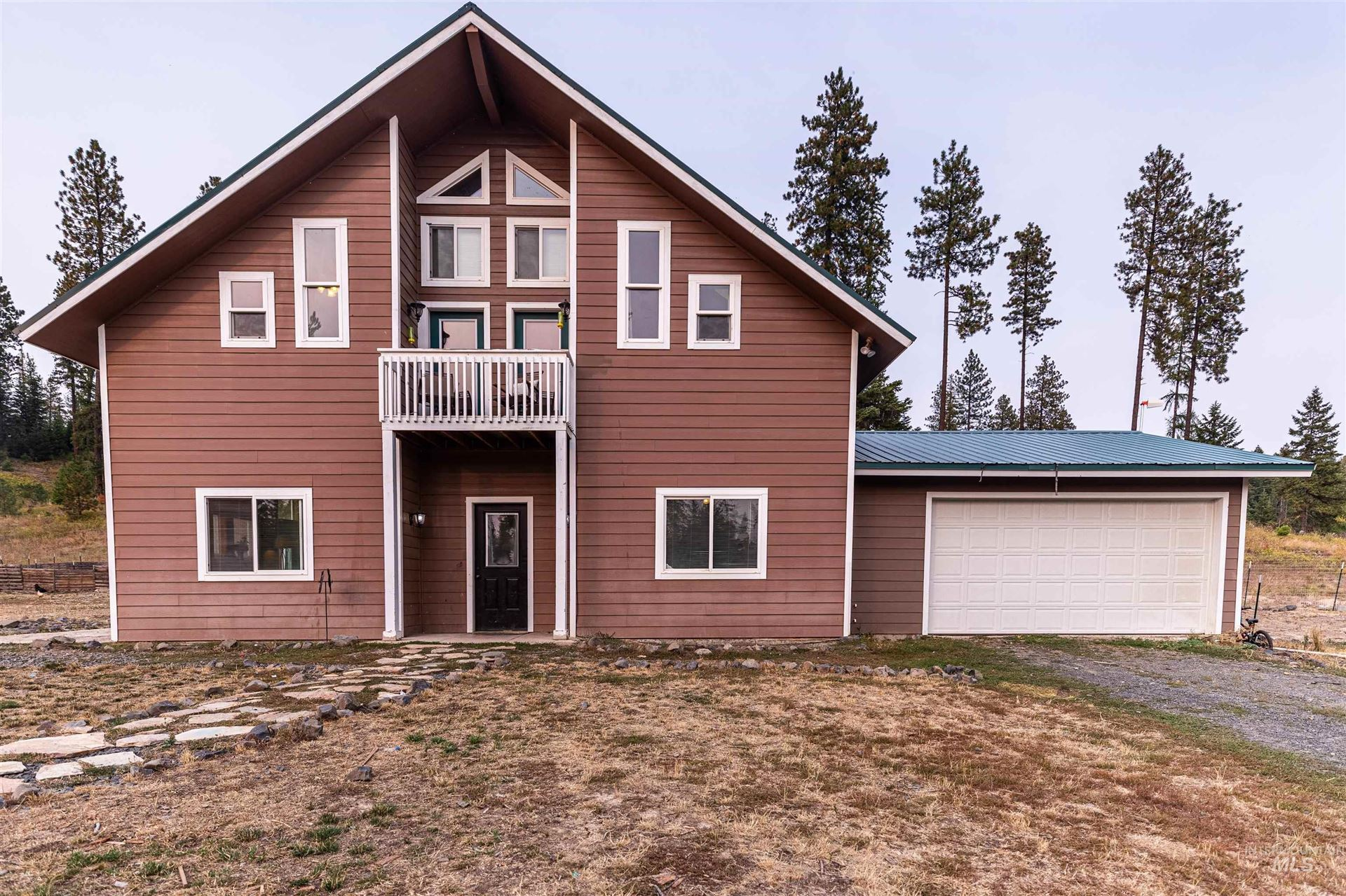 Photo of 1378 Old Avon Rd, Deary, ID 83823 (MLS # 98818898)