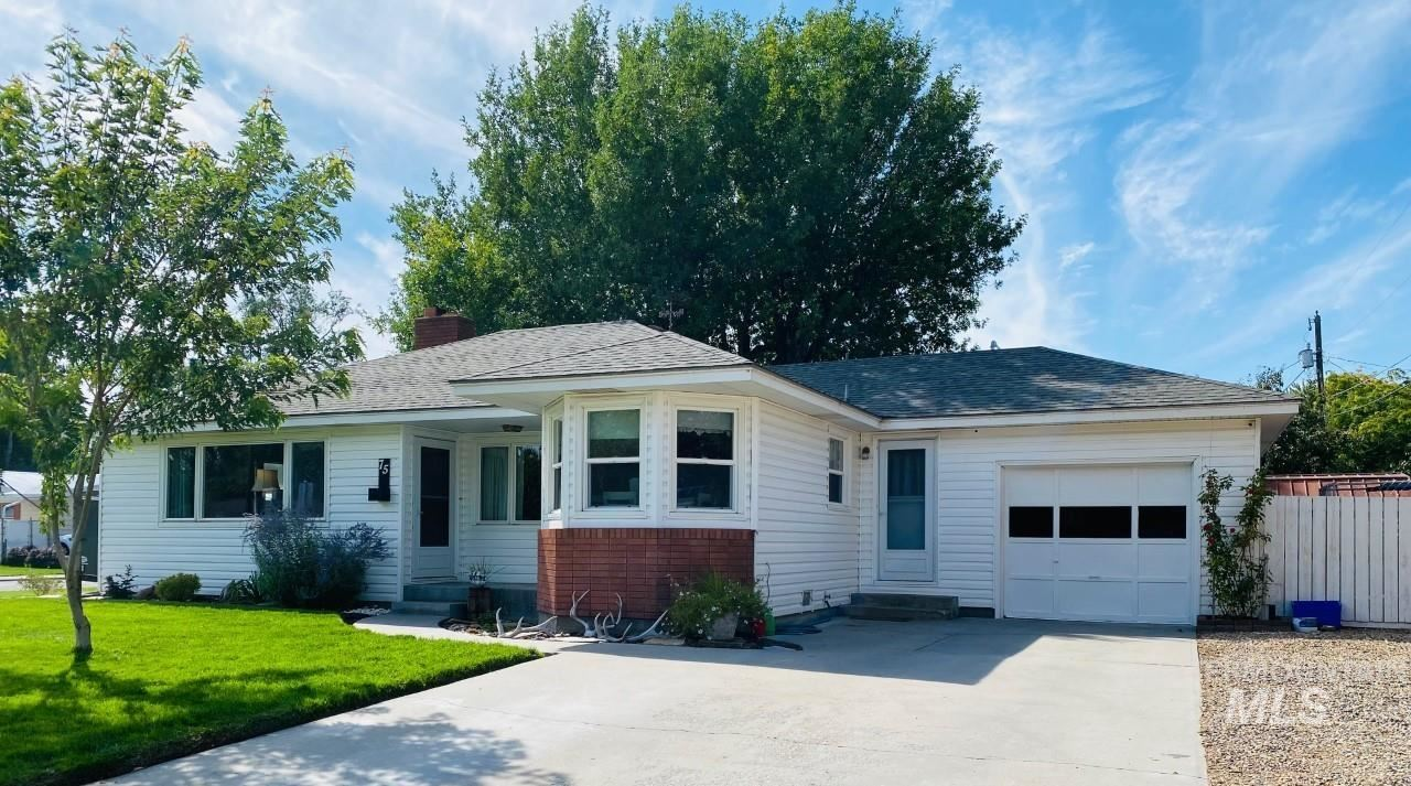 Photo of 75 SW 11th St, Ontario, OR 97914 (MLS # 98818899)