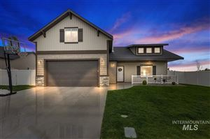 Photo of 1045 W Borah Ave, Twin Falls, ID 83301 (MLS # 98729901)