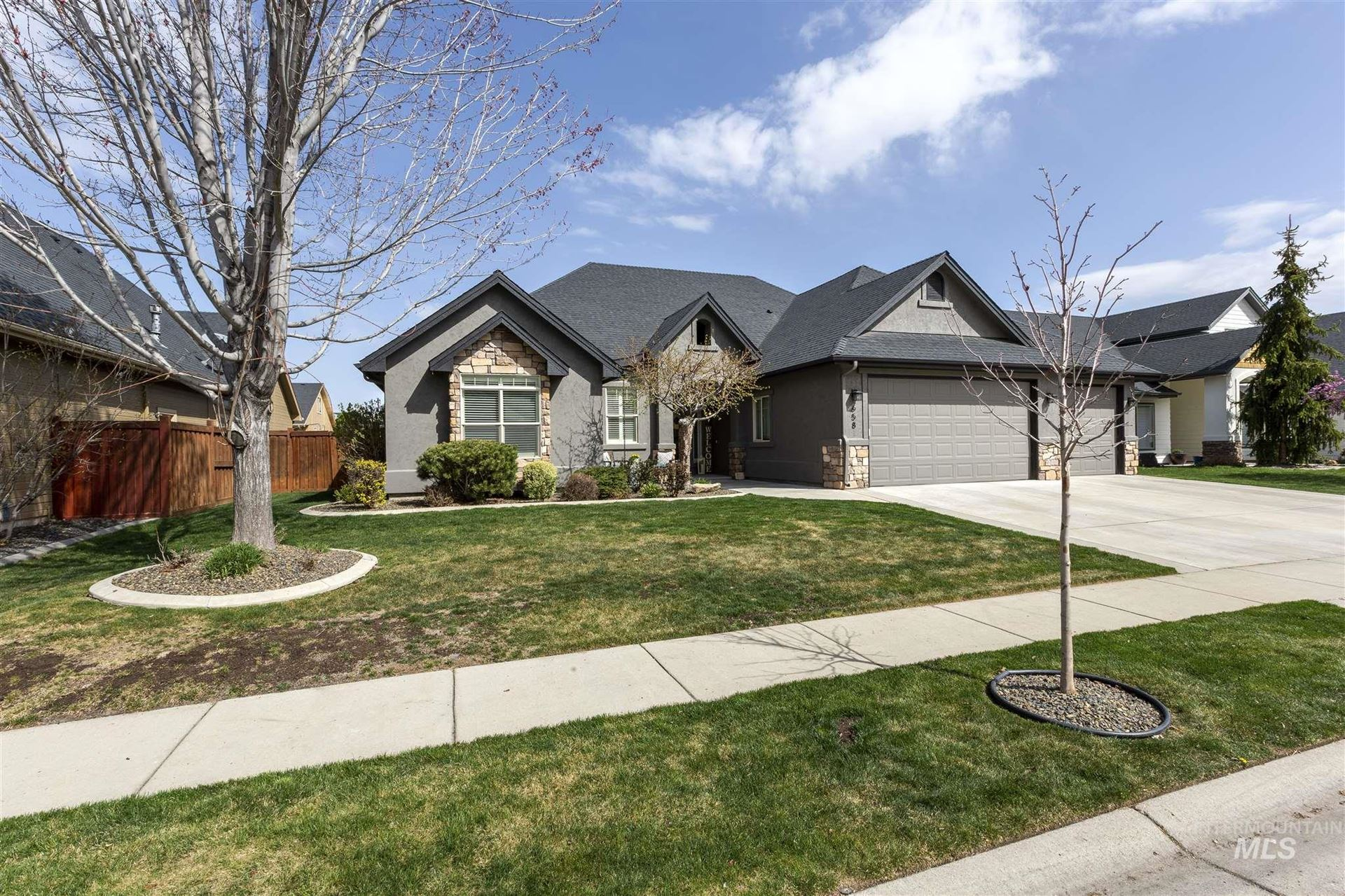 Photo of 658 E Painted Hills Dr, Meridian, ID 83646 (MLS # 98798914)