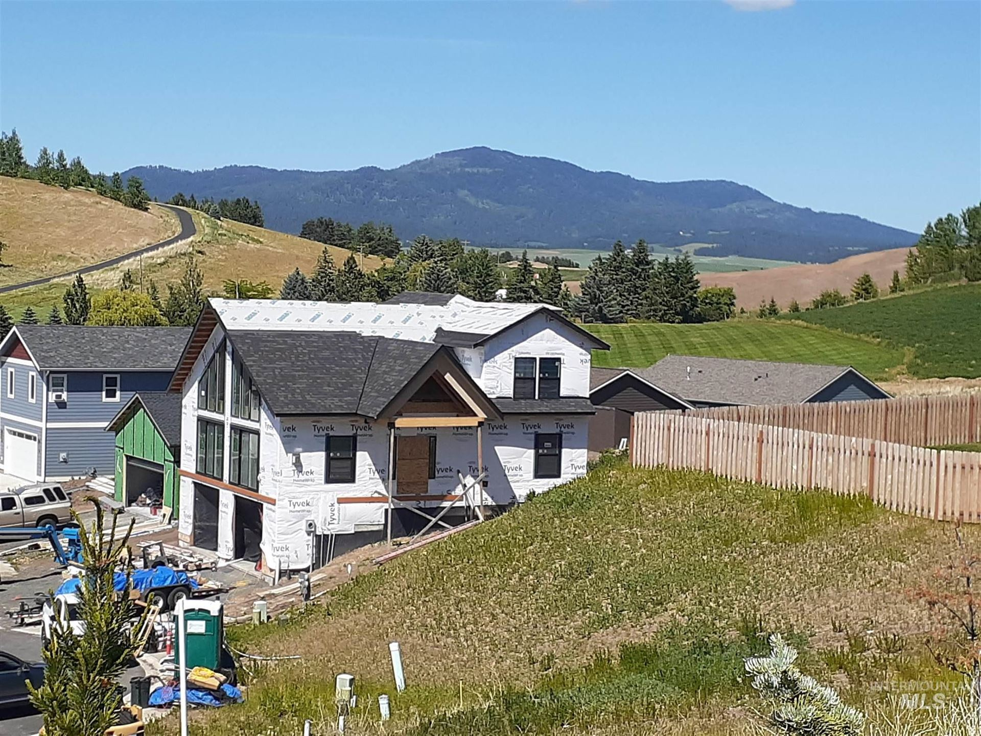 Photo of 1118 Chelsea CT, Moscow, ID 83843 (MLS # 98806927)