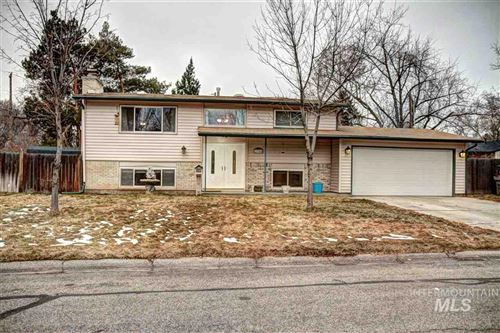 Photo of 2705 S Inverness Way, Boise, ID 83705 (MLS # 98754928)