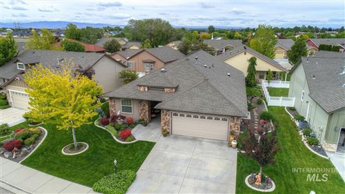 Photo of 3803 S Greenbrier Rd, Nampa, ID 83686 (MLS # 98767933)