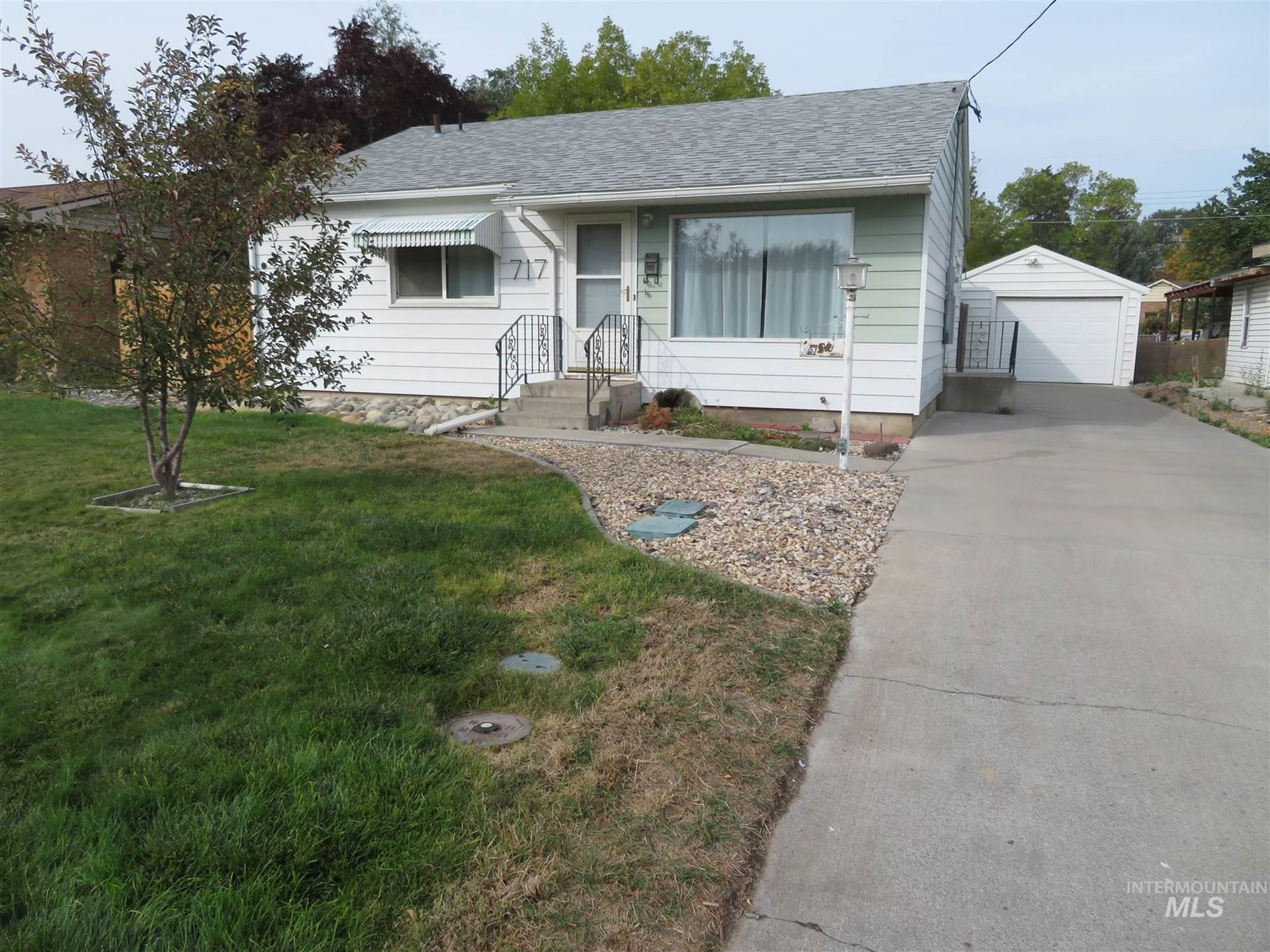 Photo of 717 Maurice Street, Twin Falls, ID 83301 (MLS # 98781945)