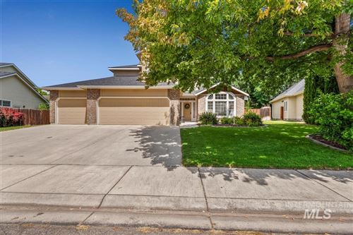 Photo of 2704 E Hampshire Court, Eagle, ID 83616 (MLS # 98771951)