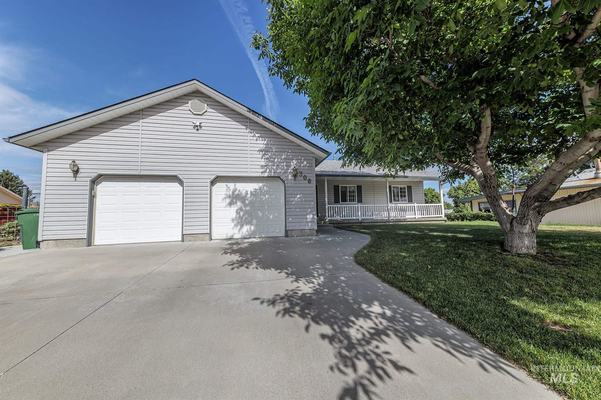 Photo of 308 NW 17th St, Ontario, OR 97914 (MLS # 98806955)