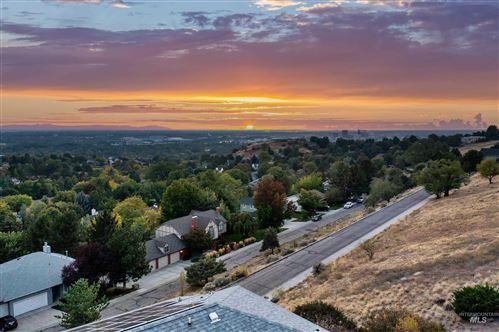 Photo of 2114 E Ridgecrest Dr, Boise, ID 83712-6672 (MLS # 98819961)