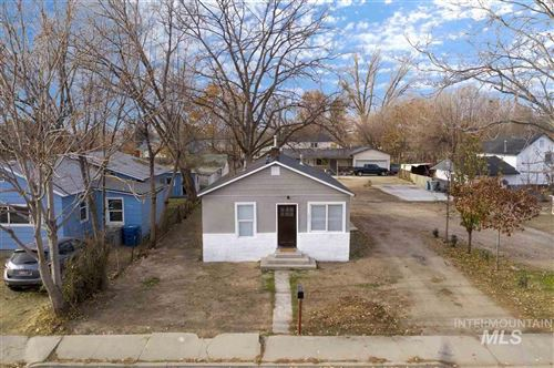 Photo of 211 9th Ave N, Nampa, ID 83687 (MLS # 98750972)