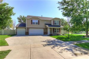 Photo of 17594 N Parkdale Ave, Nampa, ID 83687 (MLS # 98741974)