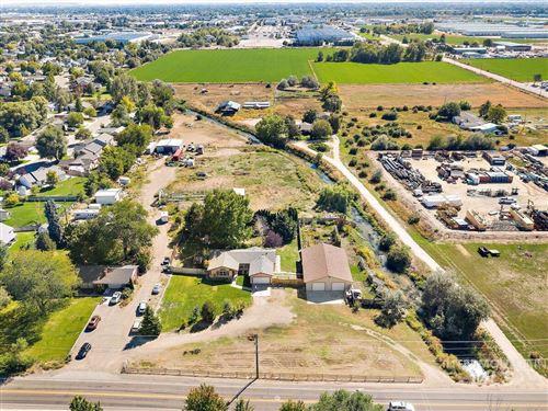 Photo of 8305 Cherry Lane, Nampa, ID 83687 (MLS # 98819974)