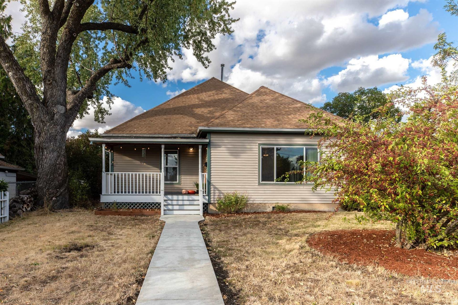 Photo of 430 Lewis St., Moscow, ID 83843 (MLS # 98783976)