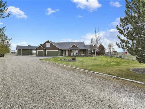 Photo of 19254 Quarter Mile Ln, Caldwell, ID 83607 (MLS # 98761982)