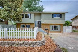 Photo of 506 Chestnut, Mountain Home, ID 83647 (MLS # 98729983)