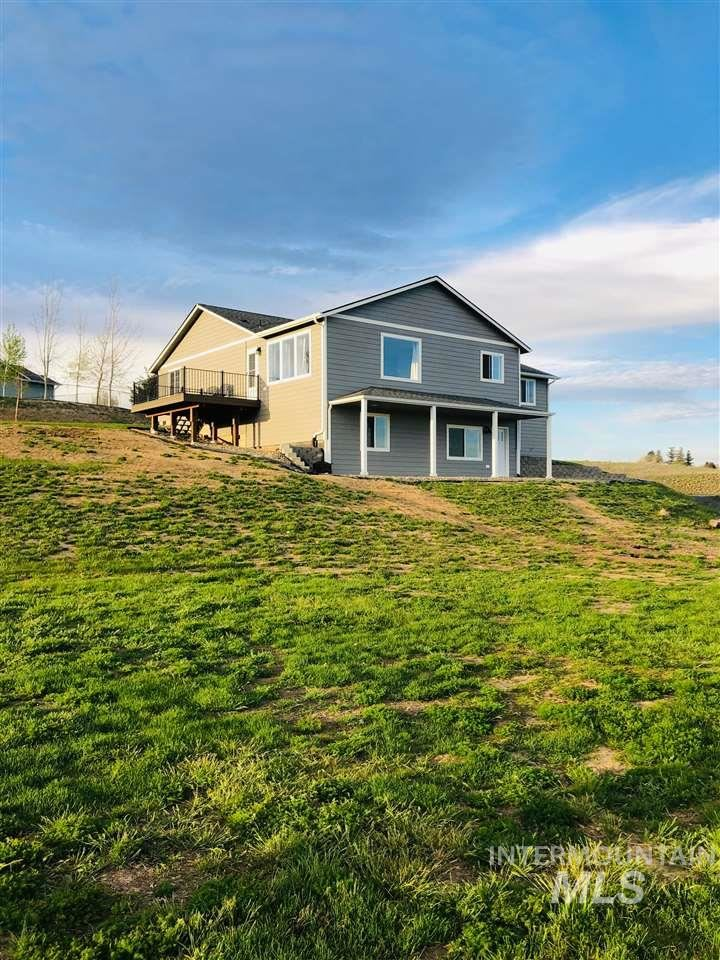 Photo of 308 Welle Dr., Uniontown, WA 99179 (MLS # 98764983)