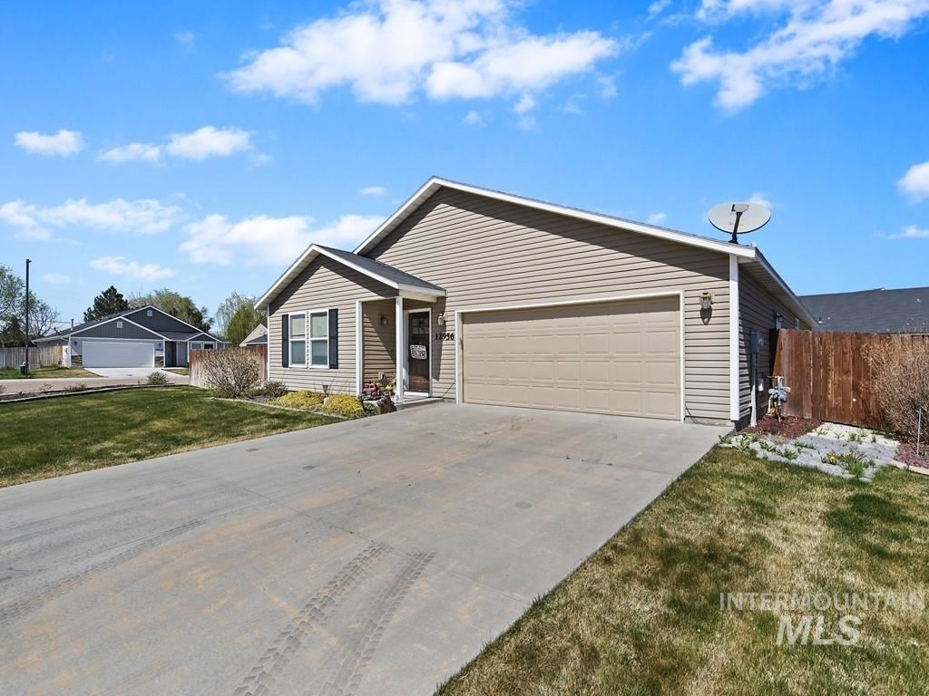 Photo of 12956 Tricia St, Caldwell, ID 83651 (MLS # 98798989)
