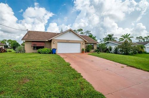 Photo of 7611 Laurel Valley RD, FORT MYERS, FL 33967 (MLS # 221067012)