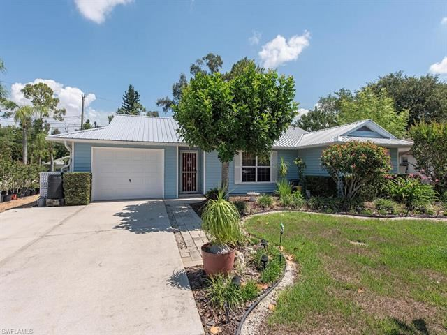 9049 Shaddock W RD, Fort Myers, FL 33967 - #: 221035220