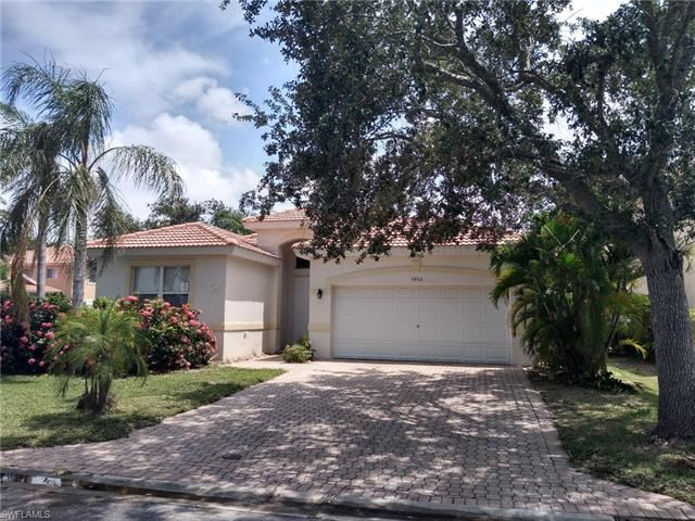 9452 Golden Rain LN, Fort Myers, FL 33967 - #: 220043269