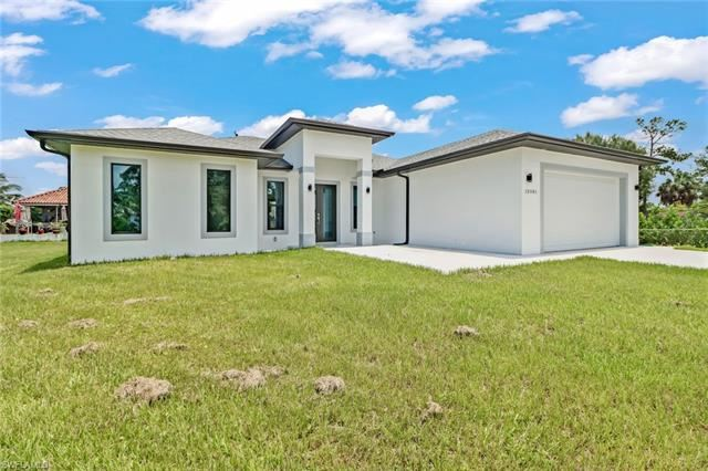 12001 Circle DR, Bonita Springs, FL 34135 - #: 221050324