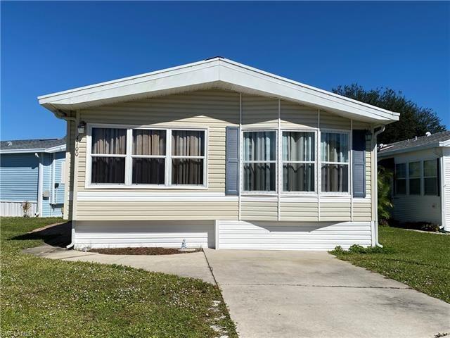 4700 Slash Pine W WAY, Estero, FL 33928 - #: 221075337