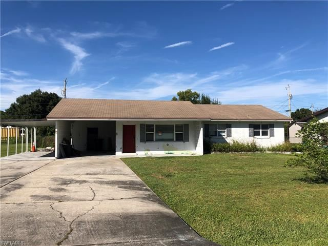 238 Lakeview DR, North Fort Myers, FL 33917 - #: 221074396