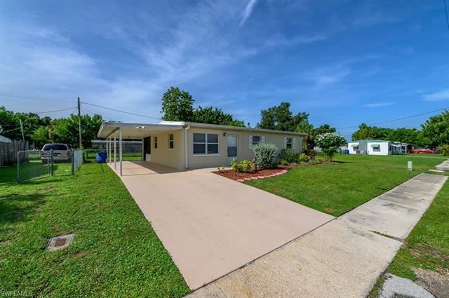 905 Coconut DR, North Fort Myers, FL 33903 - #: 220053480