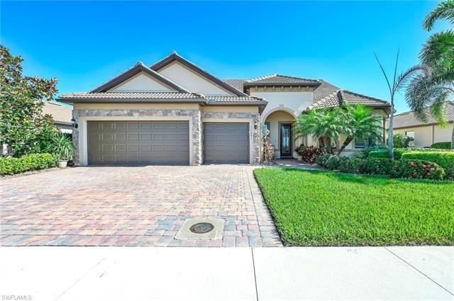 11891 Dixon DR, Fort Myers, FL 33913 - #: 221072487