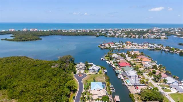 227 Dolphin Cove CT, Bonita Springs, FL 34134 - #: 221034556