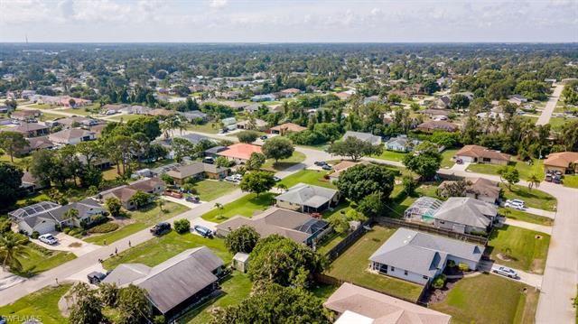 17548 Fuchsia RD, Fort Myers, FL 33967 - #: 221048686