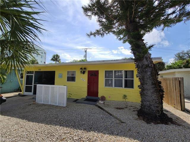 260 Fairweather LN, Fort Myers Beach, FL 33931 - #: 220042882