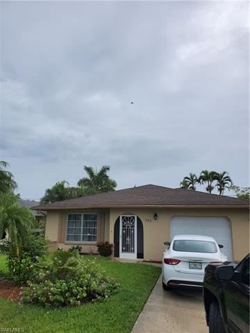 Photo of 705 105th N AVE, NAPLES, FL 34108 (MLS # 220048987)