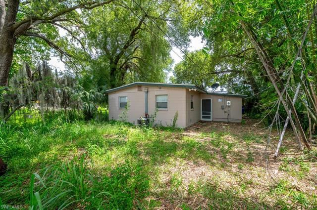 2407 Maple AVE, Fort Myers, FL 33901 - #: 221062992