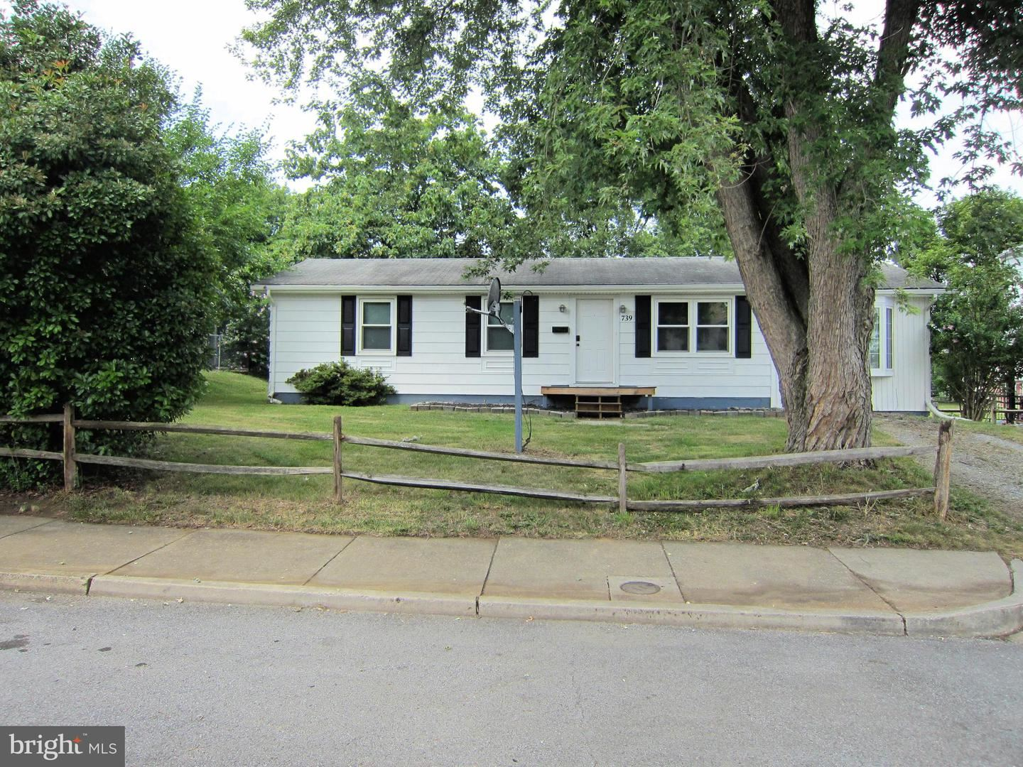 Photo of 739 SPRUCE ST, HAGERSTOWN, MD 21740 (MLS # MDWA2001002)