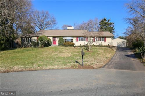 Photo of 9224 QUINTANA DR, BETHESDA, MD 20817 (MLS # MDMC741004)