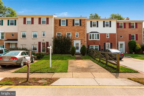 Photo of 4157 NOVAR DR, CHANTILLY, VA 20151 (MLS # VAFX1155006)